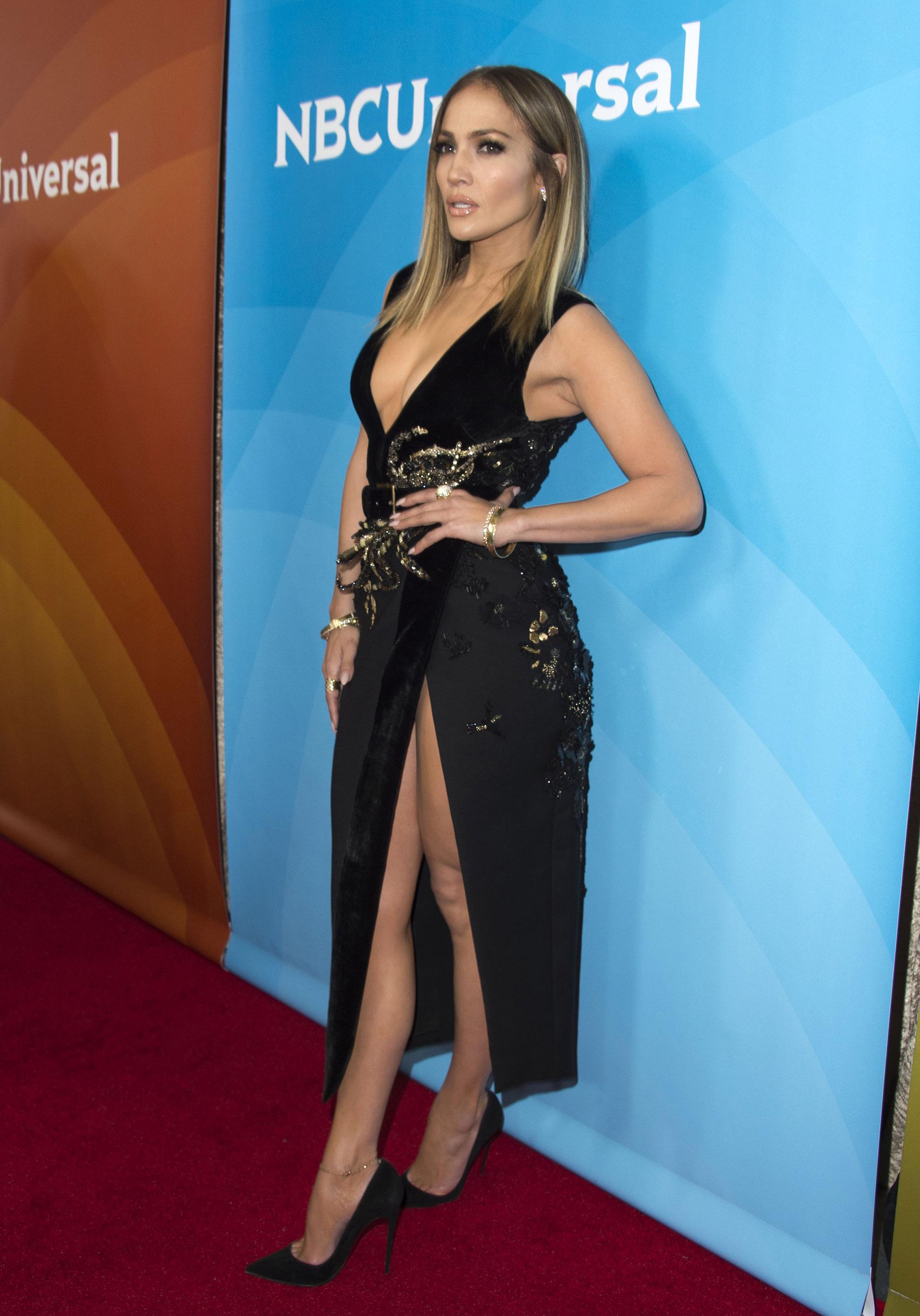 La estrella se sumó a otras celebridades de Hollywood que usan el cabello lacio y con un largo apenas debajo del hombro