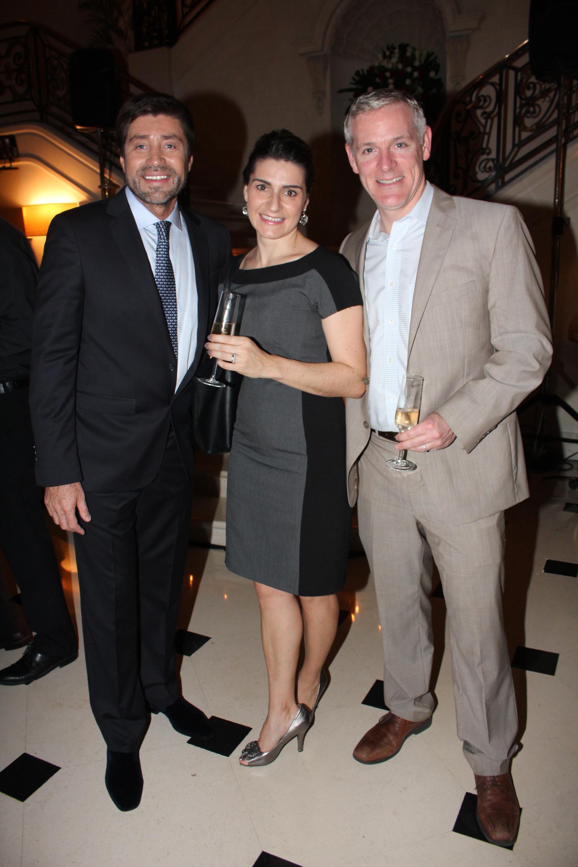 Walter Ramírez Moyano junto al cónsulgeneral de los Estados Unidos en Argentina, Brendan O'Brien