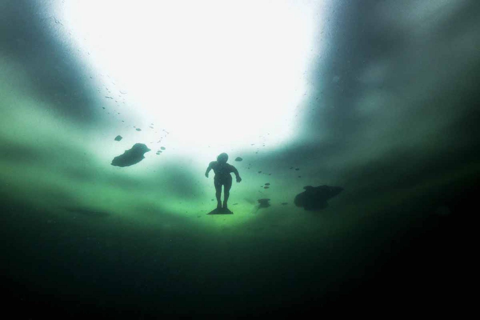 Fotografía de Johanna Nordbland bajo el agua (AFP)