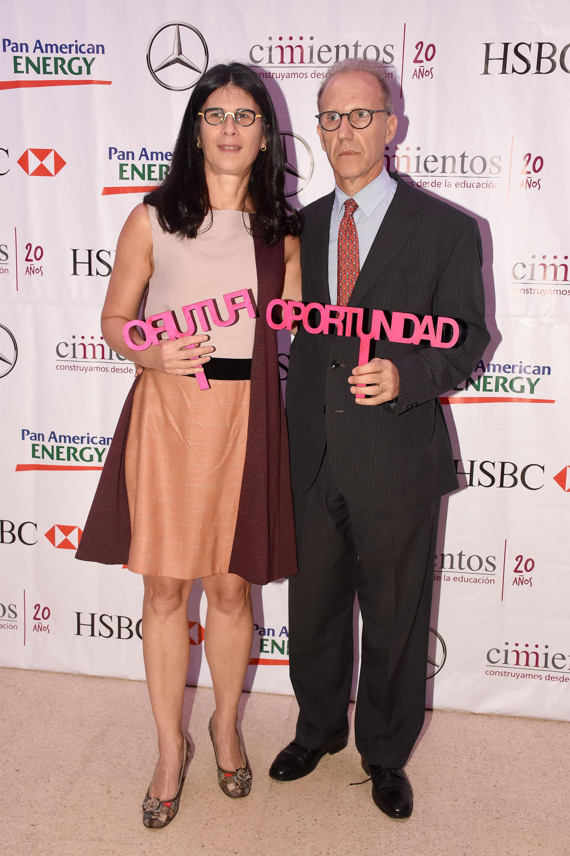 Agustina Cavanagh, directora ejecutiva de Cimientos, junto a su marido Carlos Rosenkrantz, juez de la Corte Suprema de Justicia de la Nación