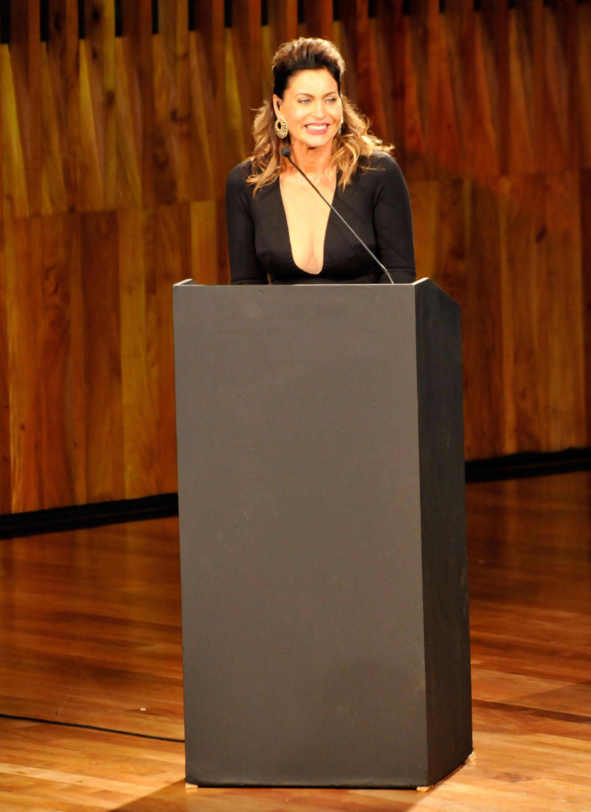 Karina Mazzocco, conductora de la ceremonia