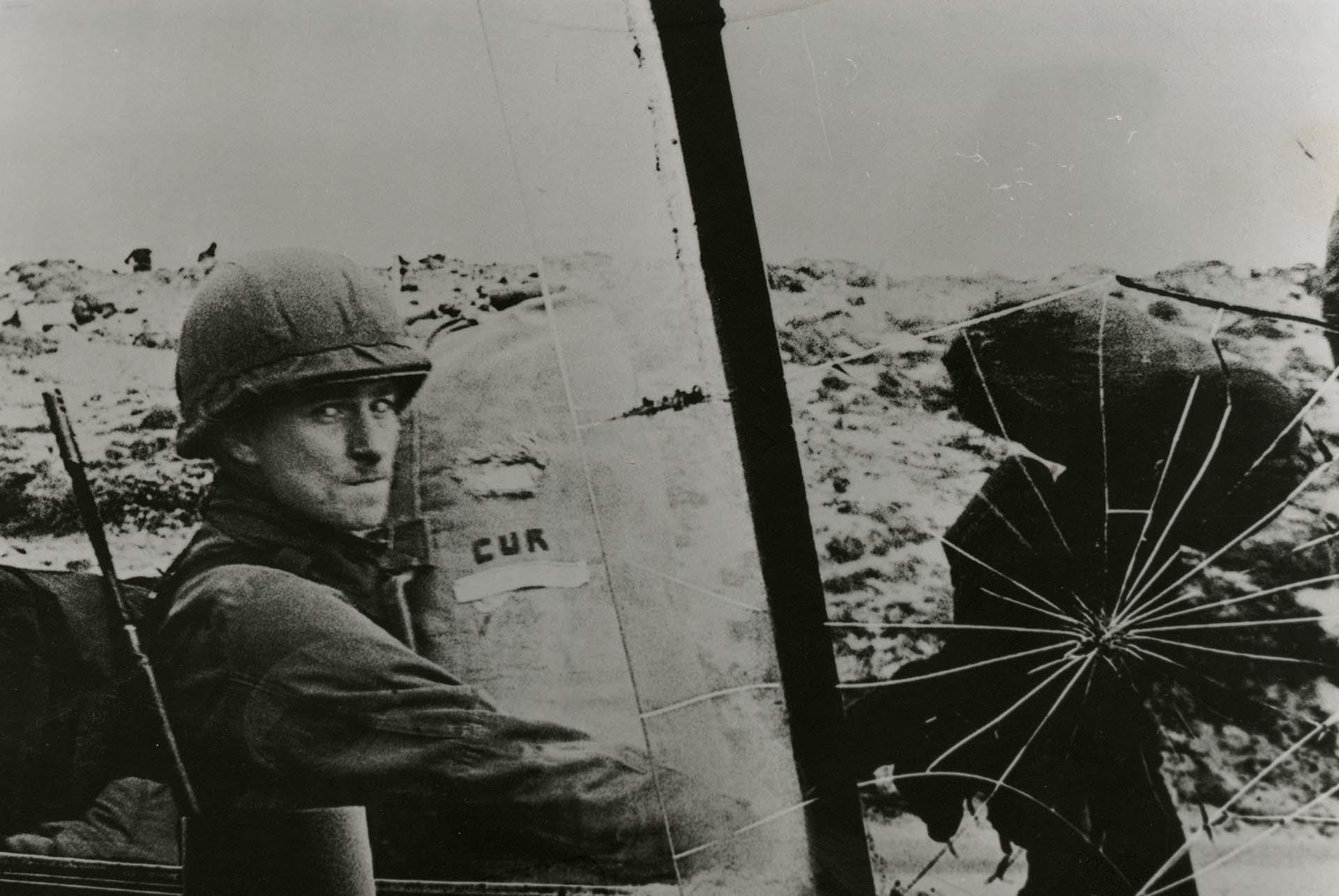 Un soldado argentino el día de la recuperación de la Islas Malvinas (AGN)