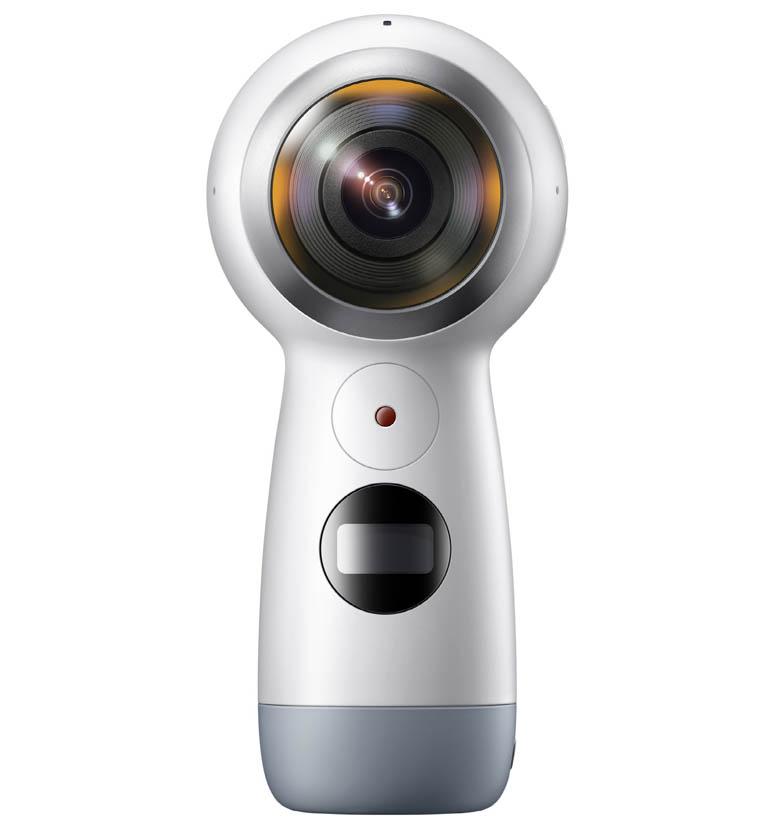 El 360 es más pequeño y sencillo de operar que su antecesor. Permite crear videos de 4K de 360 grados y fotografías de 15MP. Además, se puede utilizar para hacer streaming directamente en las redes sociales como Facebook y YouTube
