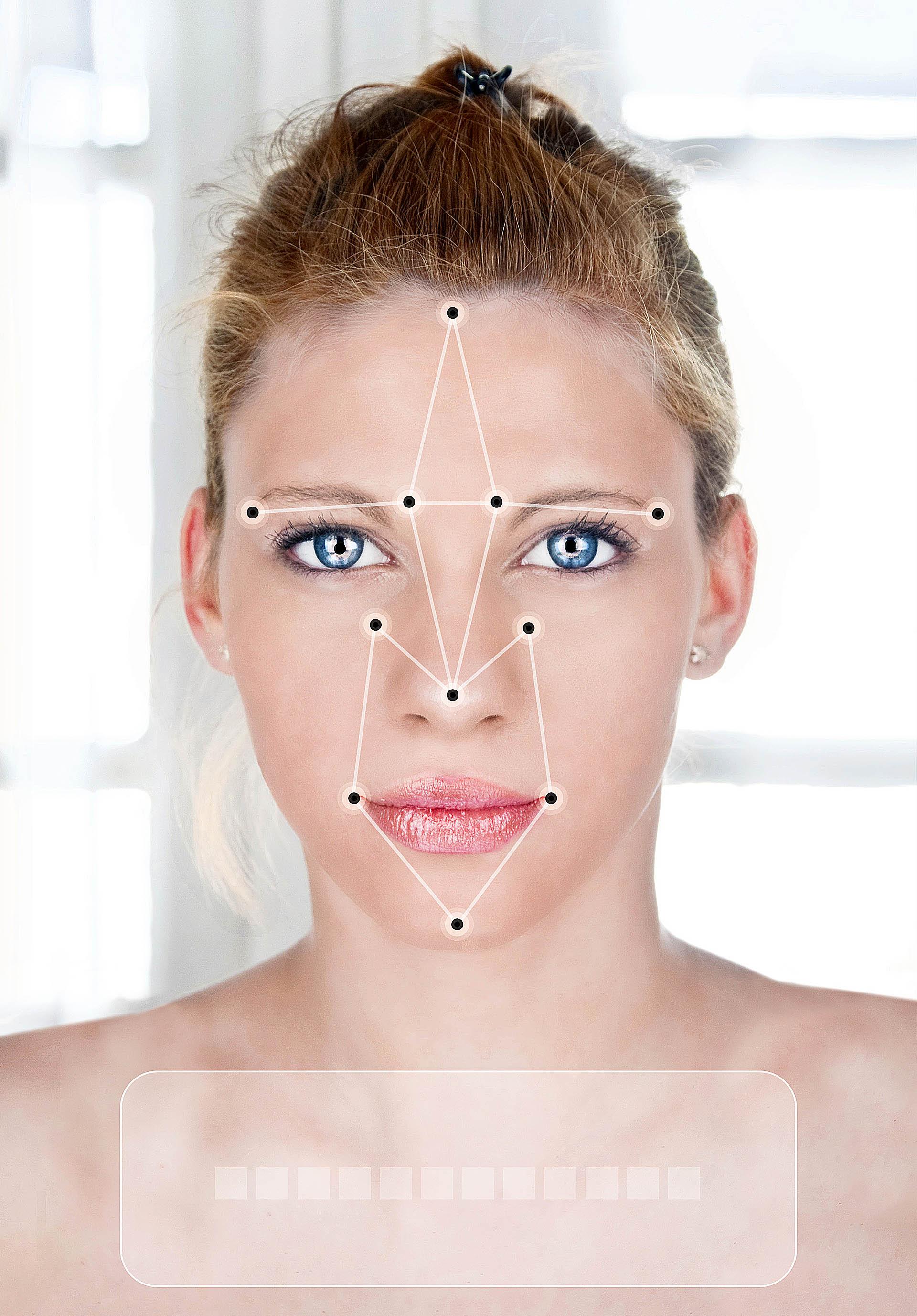 En varias ciudades del mundo se están haciendo pruebas piloto para identificar a las personas por la calle mediante sistemas de reconocimiento facial (iStock)