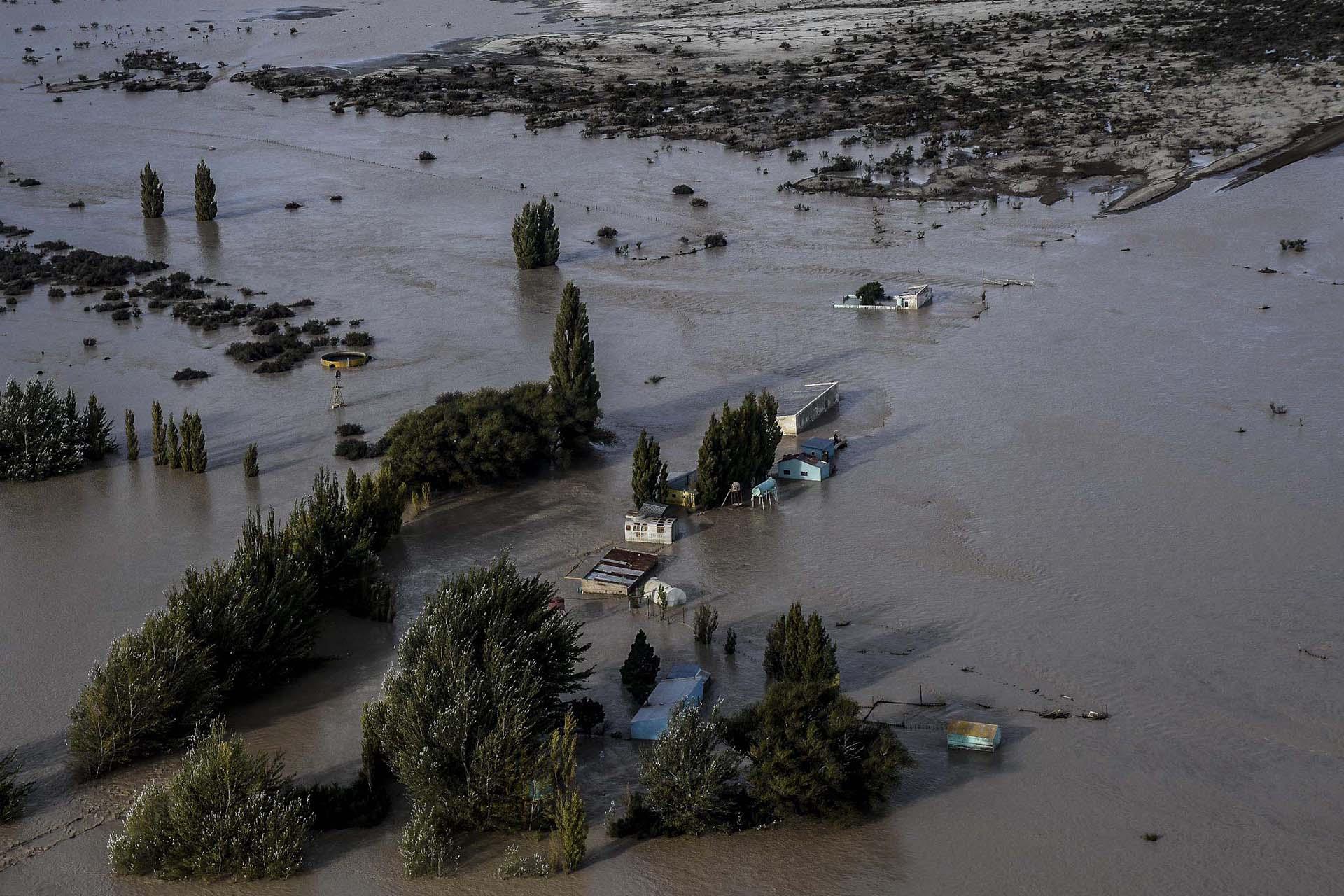 Grandes eventos atmosféricos y desastres naturales - Página 2 Comodoro-Rivadavia-Vista-aereas-sf-3