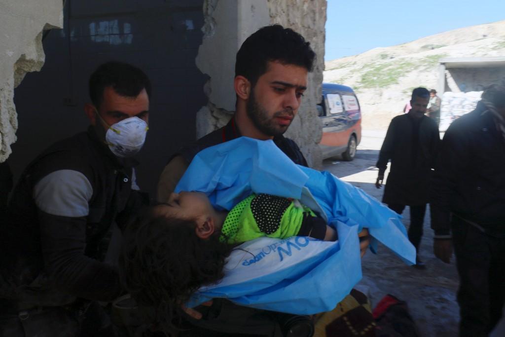 El Observatorio Sirio de los Derechos Humanos (OSDH) reportó la cifra de víctimas y afirmó que los civiles murieron por asfixia, aunque dijo desconocer de qué tipo de gas se trataba (Reuters)