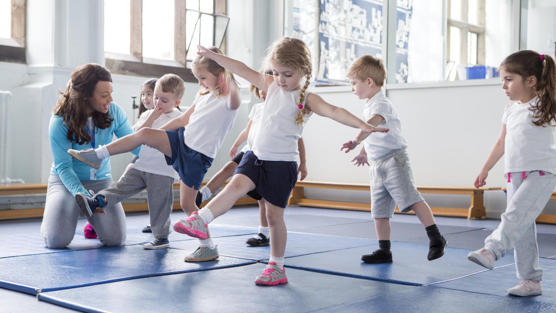 Para evitar el sedentarismo, la OMS aconseja 60 minutos diarios