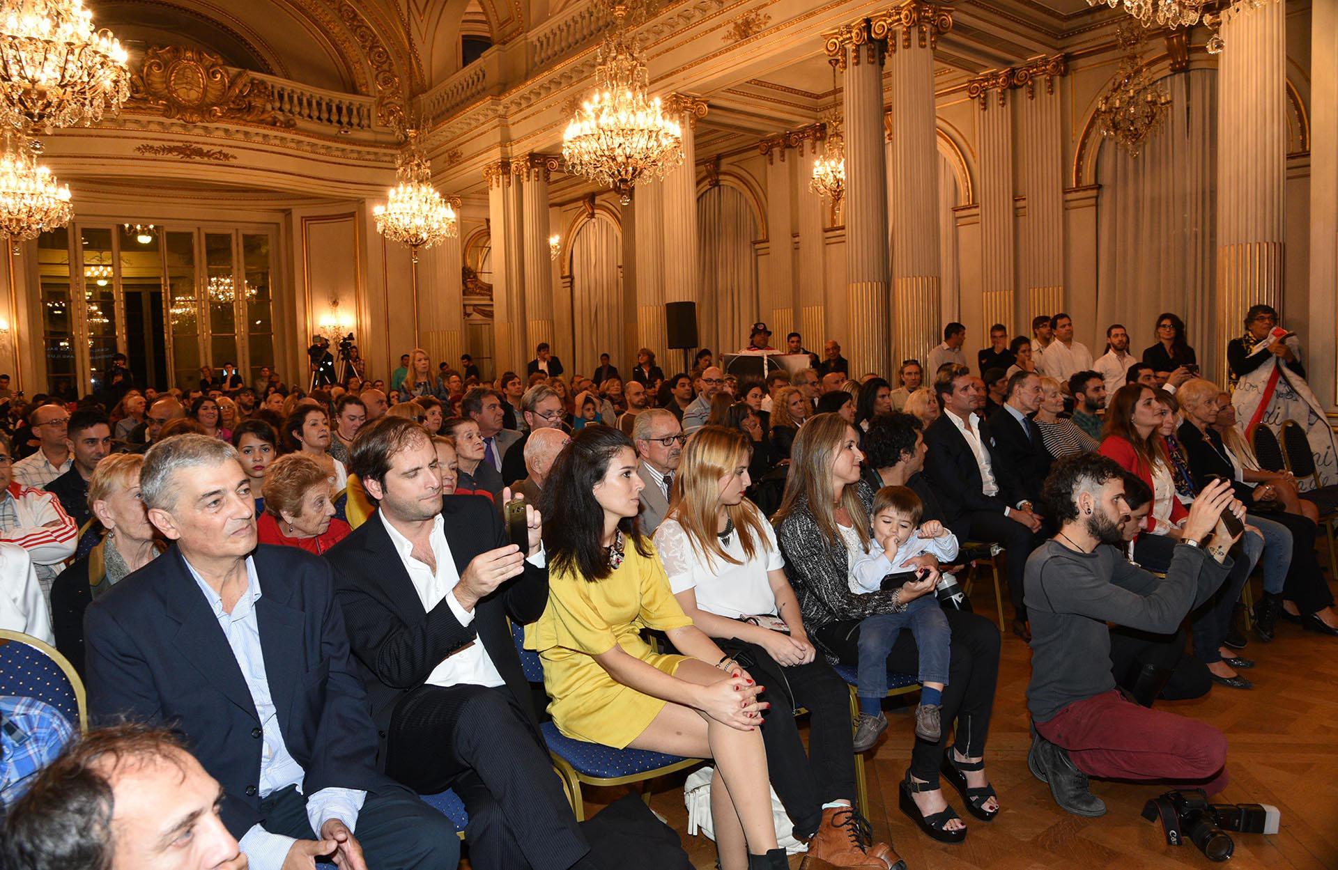 Participaron del evento José María Listorti y Tristán. Además, enviaron sus mensajes a través de videos las Trillizas de Oro, Edith Hermida y el conductor infantil Topa