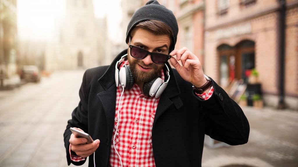 Una de las claves para los hombres es ofrecer un aspecto más relajado (iStock)