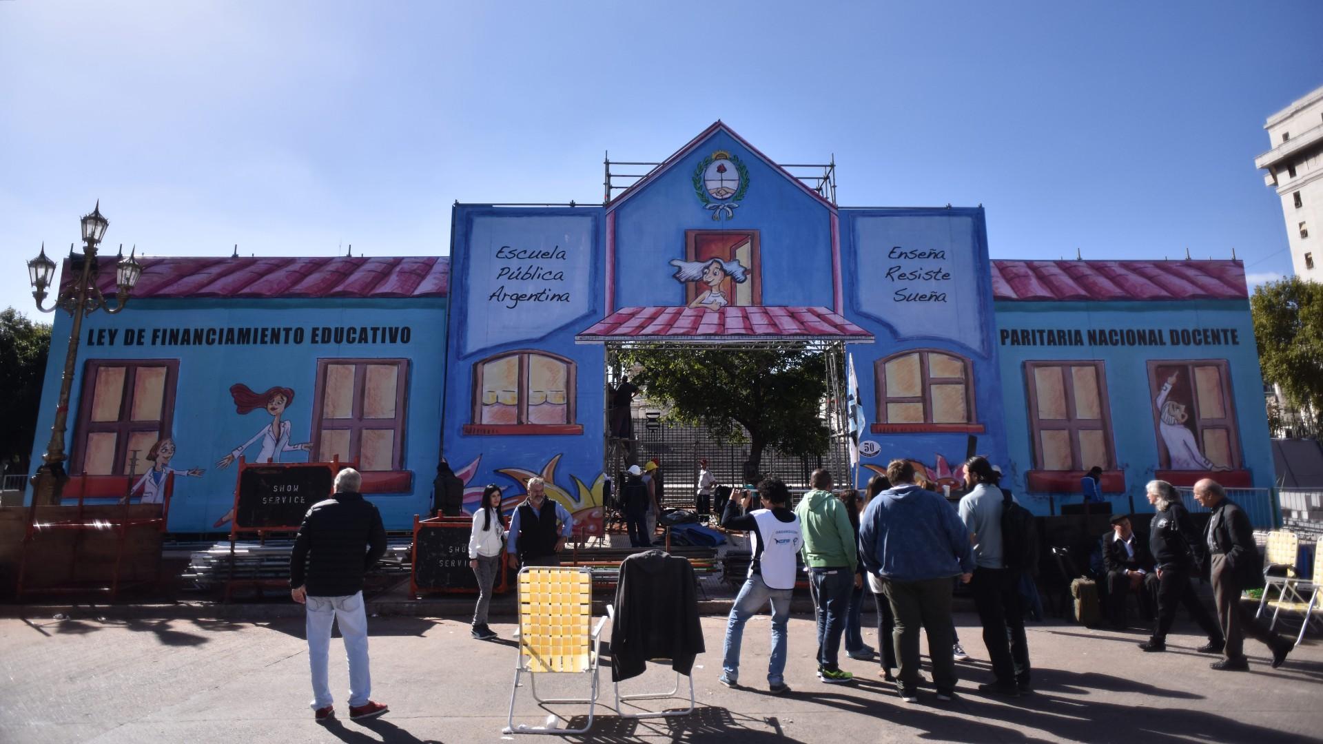 Escuela Itinerante (Adrián Escandar)