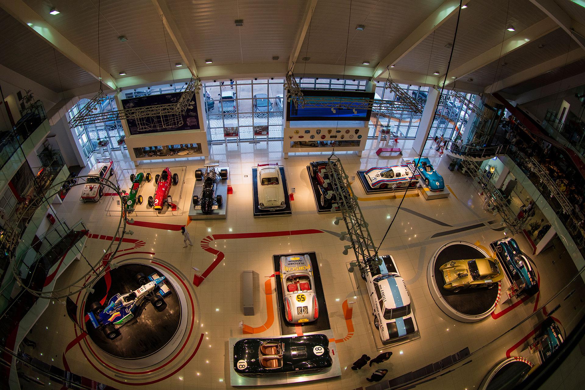 Para amantes de los motores, en el autódromo también se encuentra el museo, con autos, motos y piezas originales