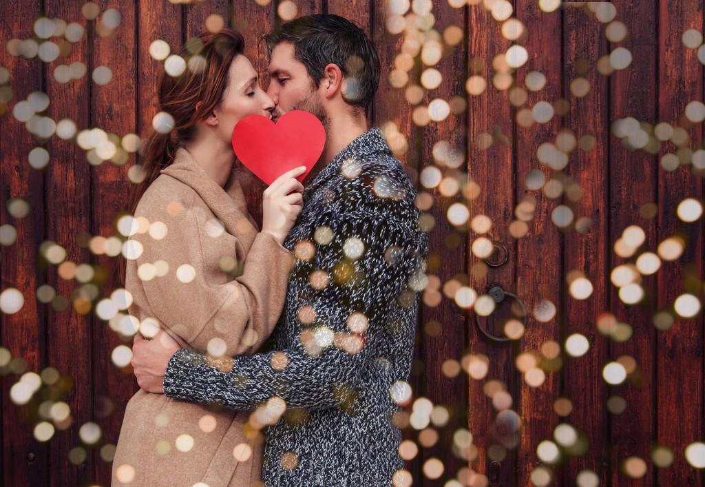 Segúin Second Love apenas el 25% besa a su esposo/a con frecuencia (iStock)