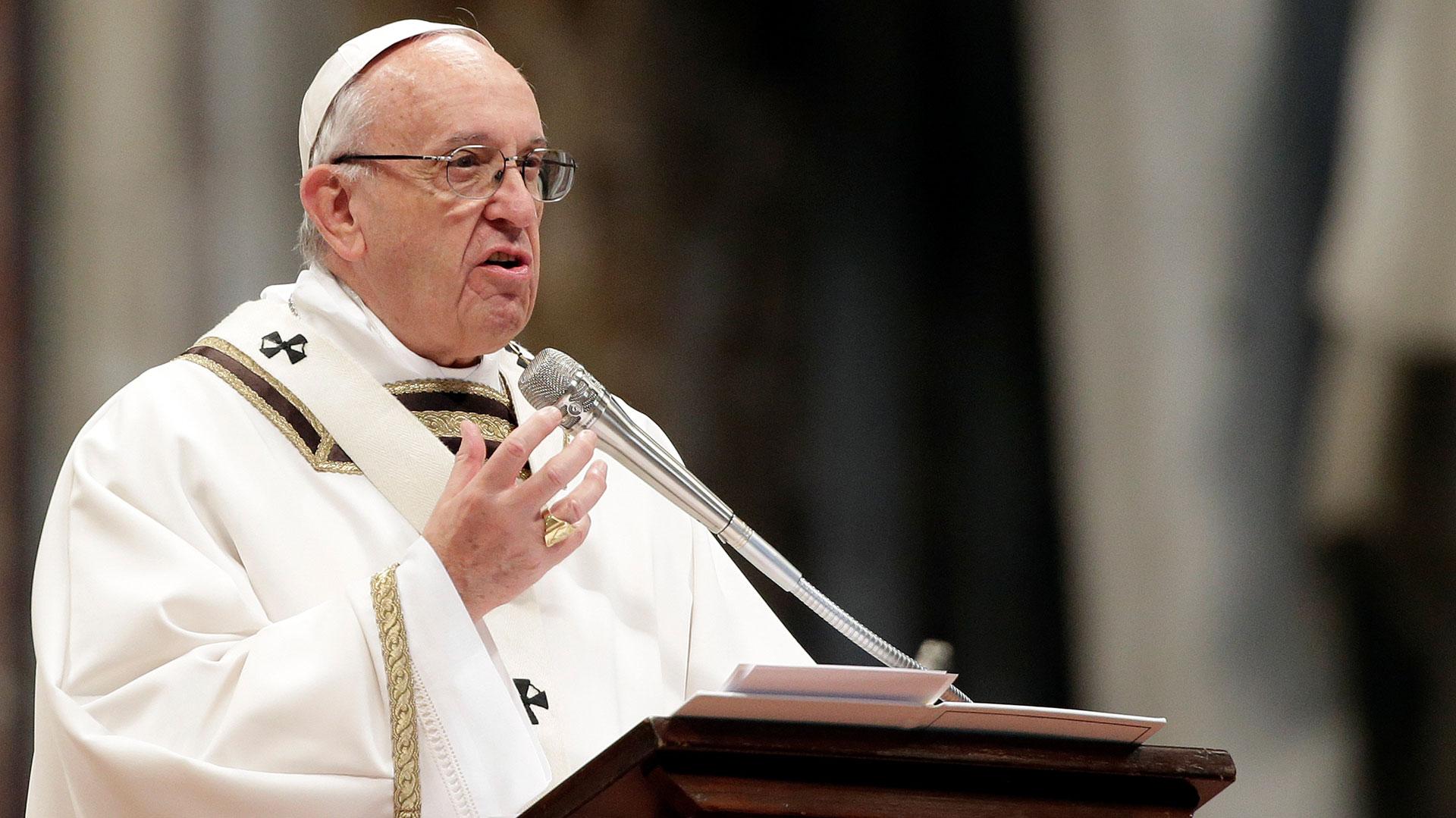 El papa Francisco advirtió sobre la tentación de doctores y enfermeras de convertirse en empresarios (Reuters)
