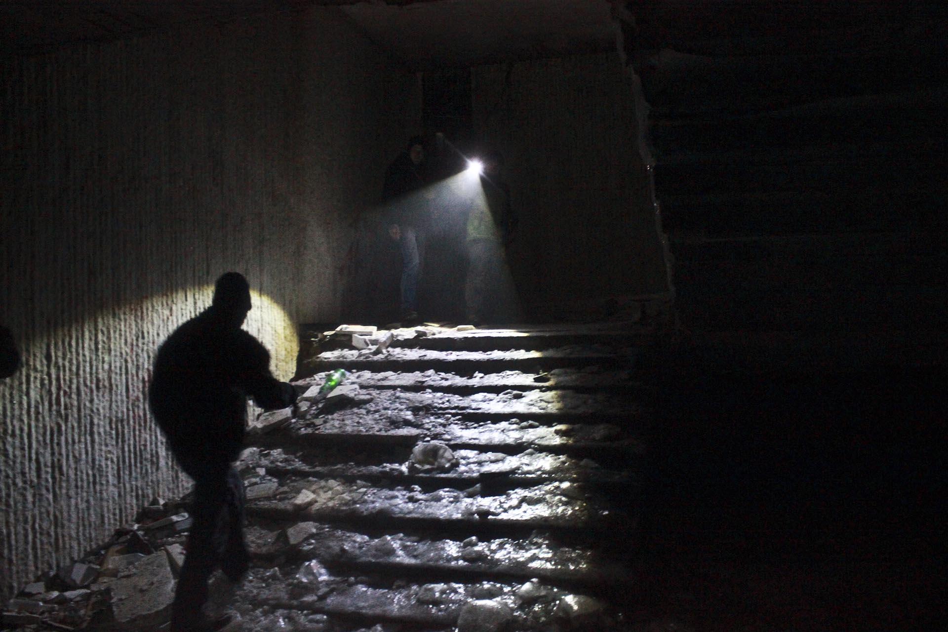 Un escalera congelada que baja al subsuelo
