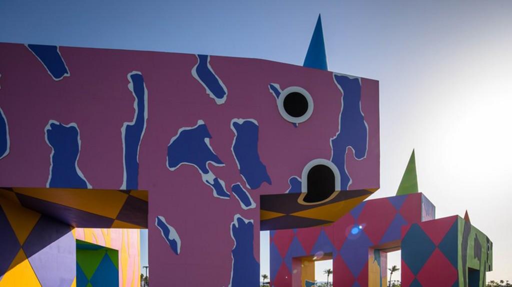 El arte cobra vida en el medio del desierto (Lance Gerber)