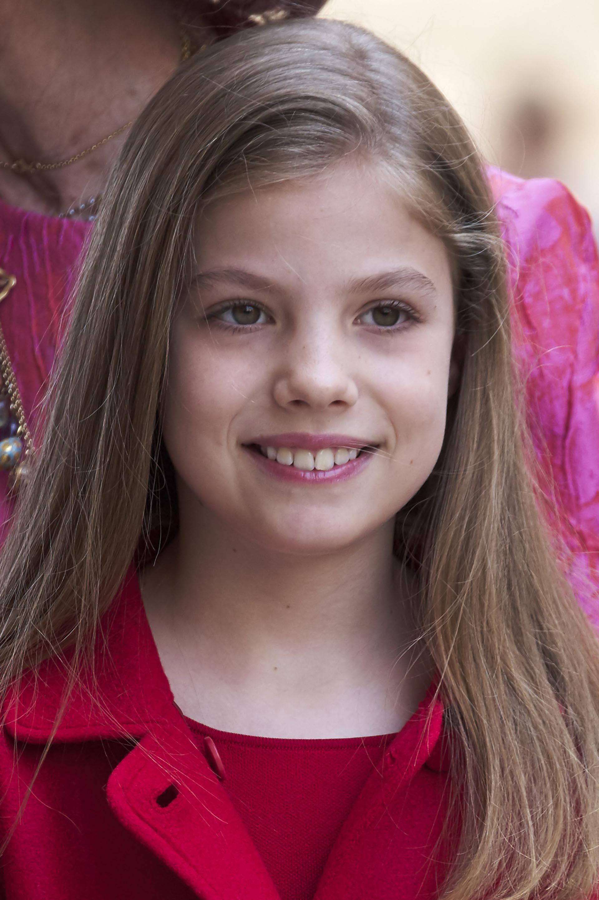 La princesa Sofía, de 9 años, lució un conjunto íntegramente en colorado