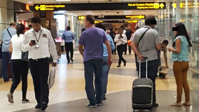 El hombre de Lugano en el aeropuerto de Lima
