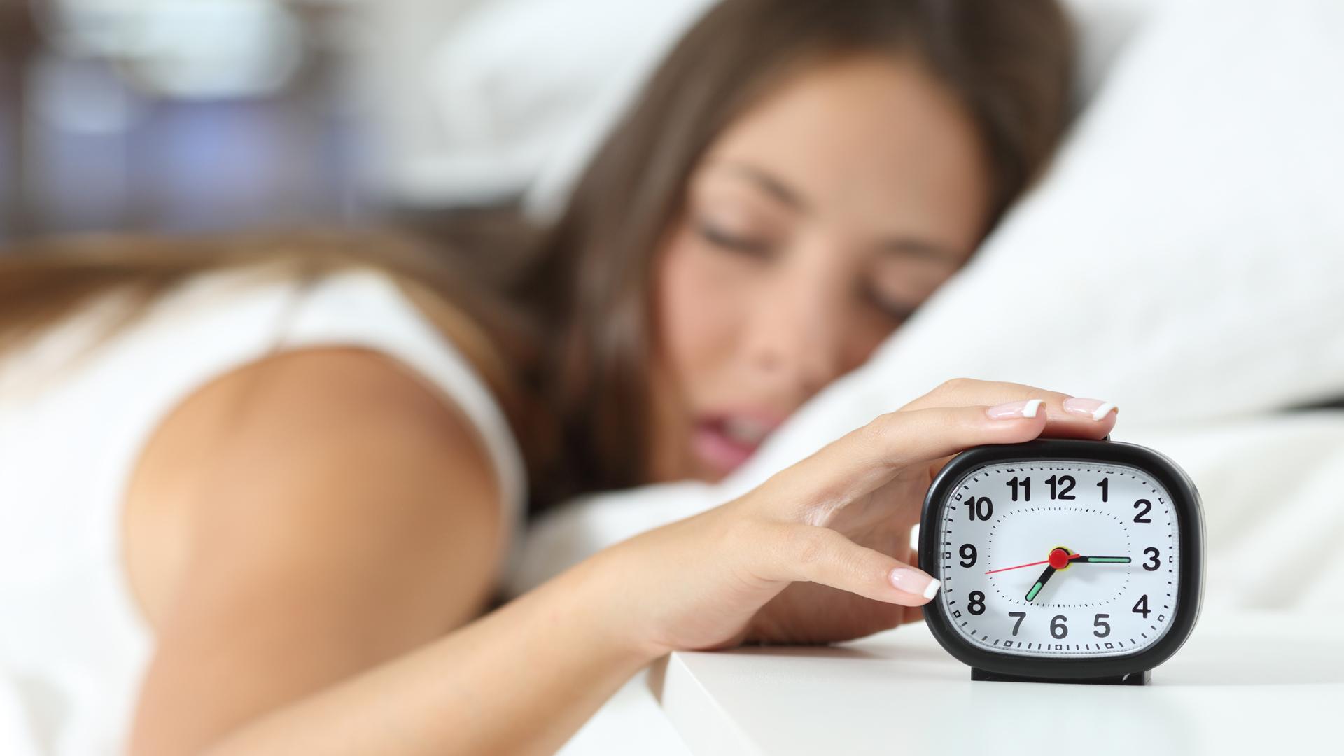 Investigaciones recientes muestran la importancia de la cantidad adecuada de sueño para la salud del cerebro (iStock)