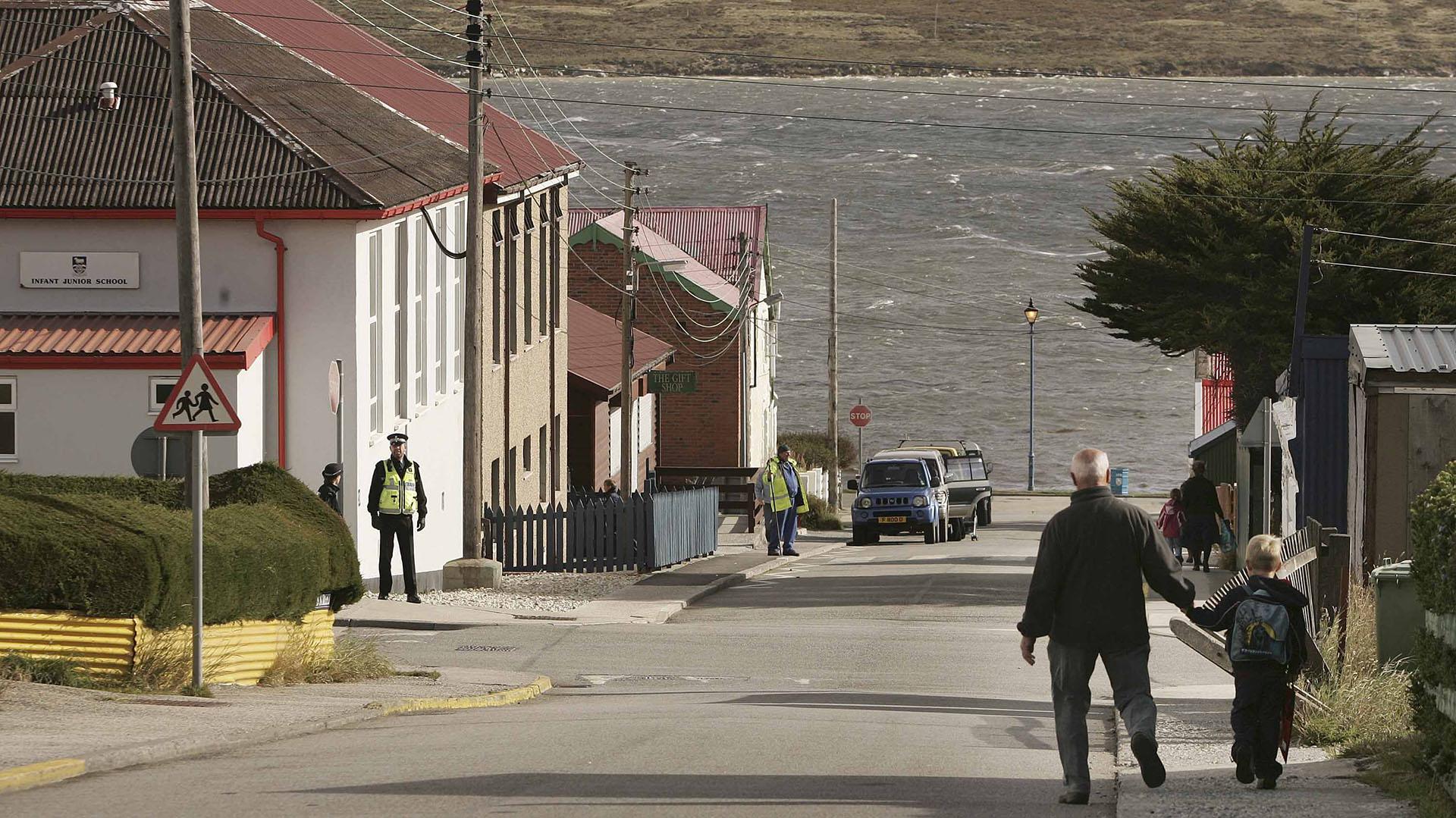 Los británicos tienen 1.200 efectivos militares en una base a 50 kilómetros de las Islas Malvinas