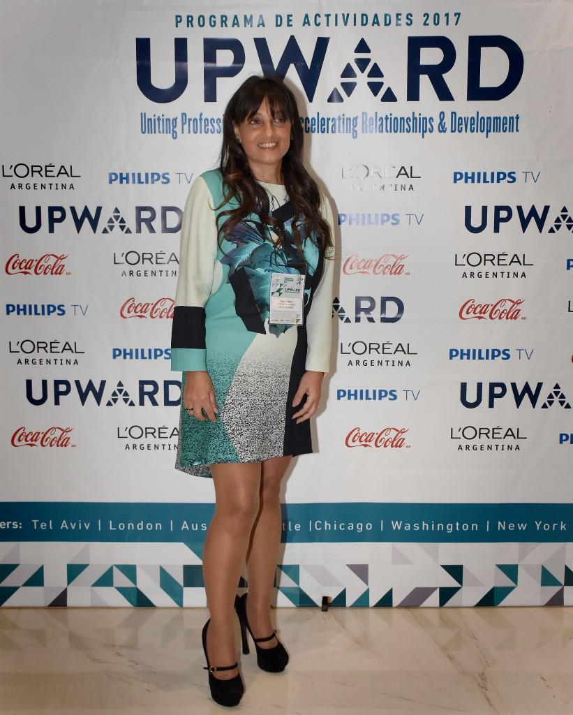 Viviana Zocco, directora de UPWARD Capítulo Argentino y CEO del Grupo Vi-Da. UPWARD es una organización cuyo fin es generar vínculos estratégicos entre mujeres de nivel senior, para acelerar su crecimiento profesional a lo largo del mundo, mediante la creación de una comunidad donde puedan construir relaciones estratégicas