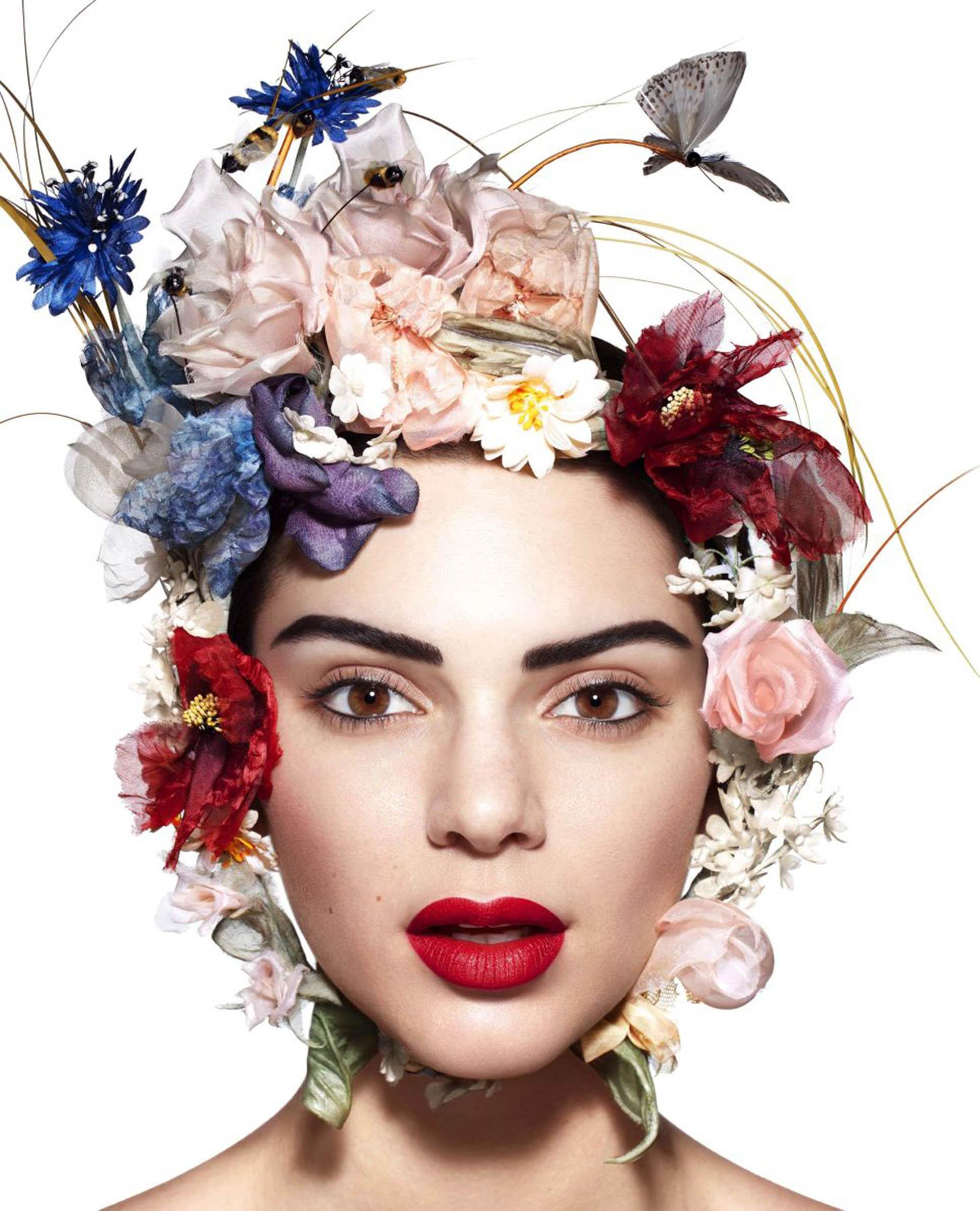 La modelo Kendall Jenner fue elegida para la ser la musa protagónica de la edición US de la revista de lifestyle Harper´s Bazaar.En conmemoración de los 150 años del medio, se destacó a mujeres que impusieron en estilo, entre ellas posaron Madonna y Rihanna, y, en esta ocasión, la instamodelo de 21 años