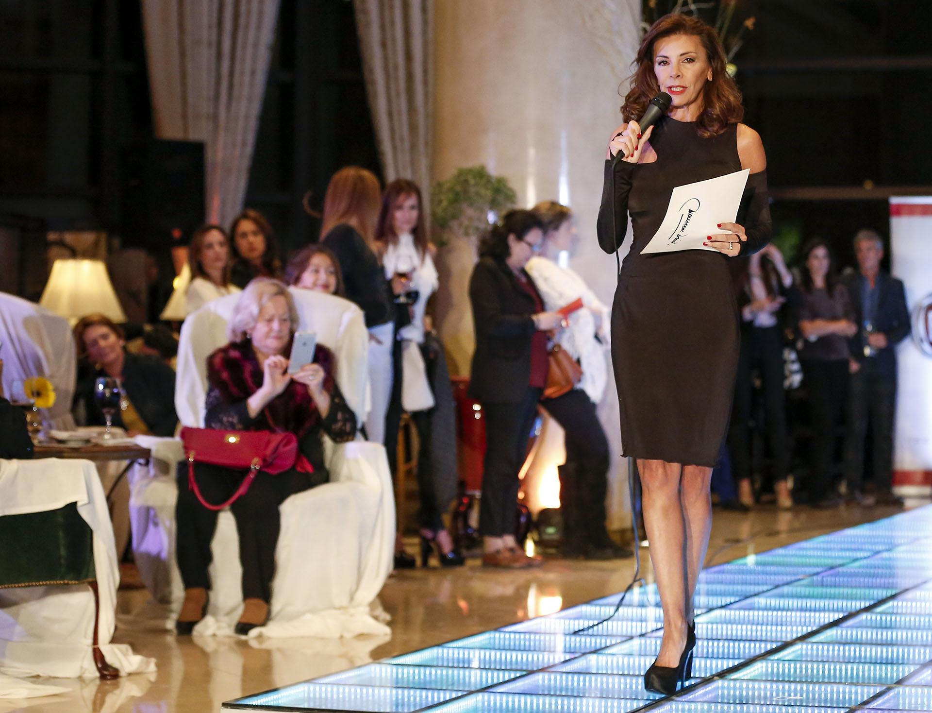 Fabiana Araujo estuvo a cargo de la conducción del fashion show