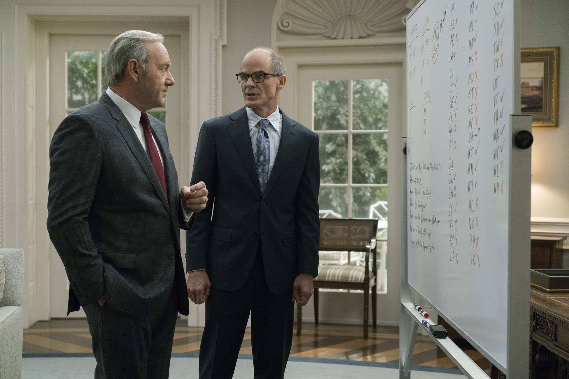 Frank Underwood con Doug Stamper (House of Cards)