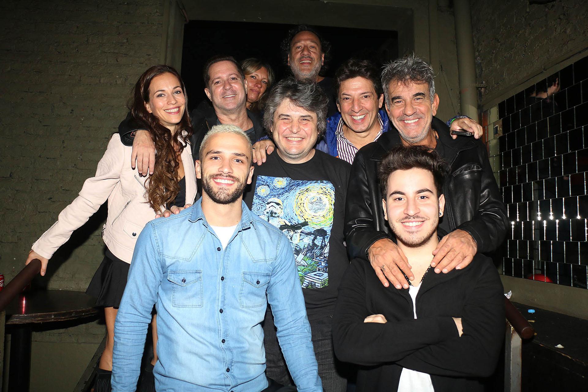 Miguel Ángel Rodríguez y su hijo Imanol, Paul Kirzner y su mujer, Sergio Gonal, otros
