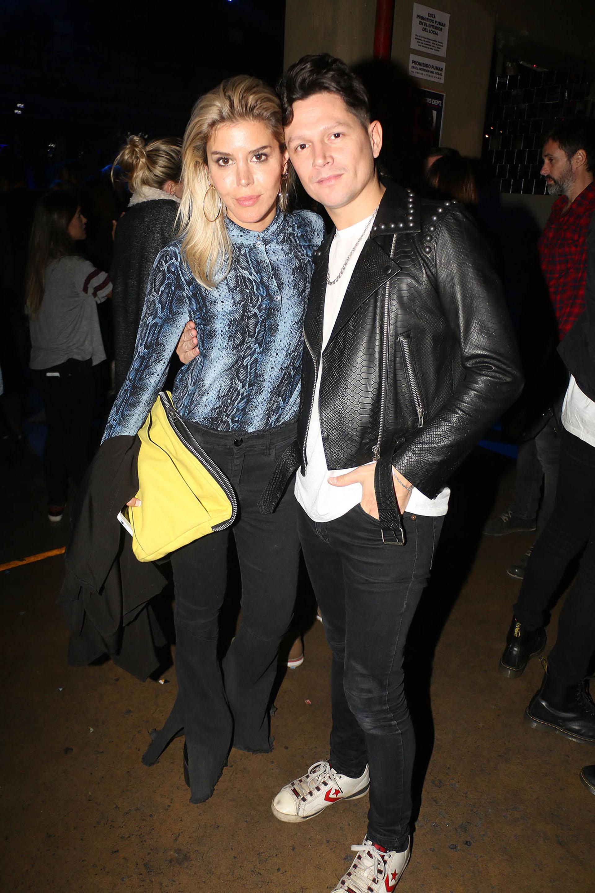 Piru Saez y su novia Denise Romano