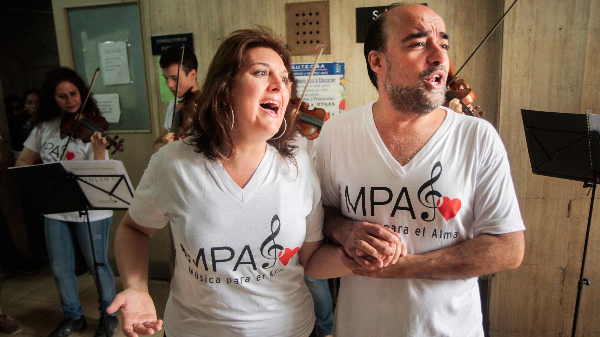 Música para el alma es una iniciativa solidaria que nació en hospitales porteños (María Inés Ghiglione)