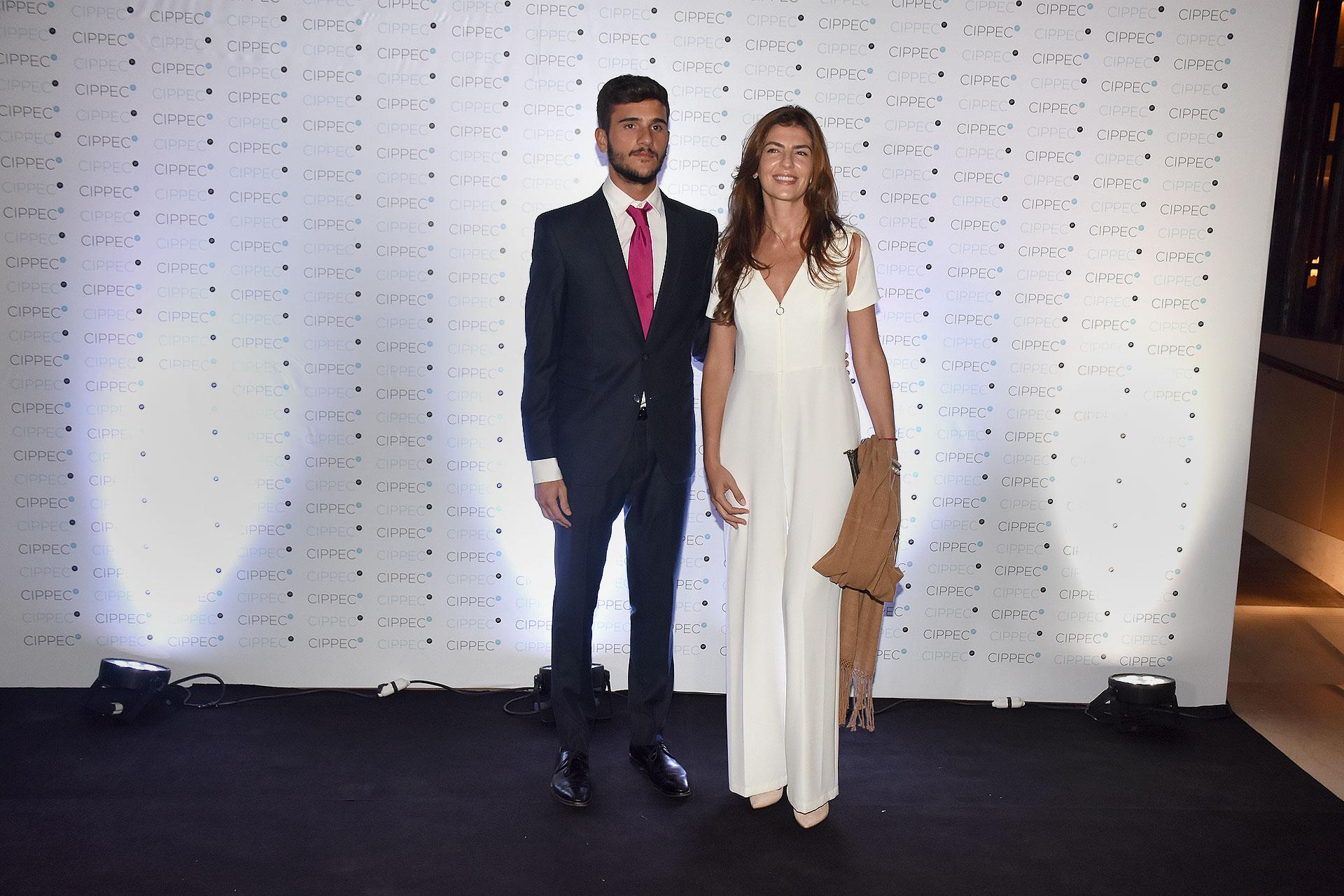 Pedro Robledo, subsecretario de Juventud, y Bettina Romero