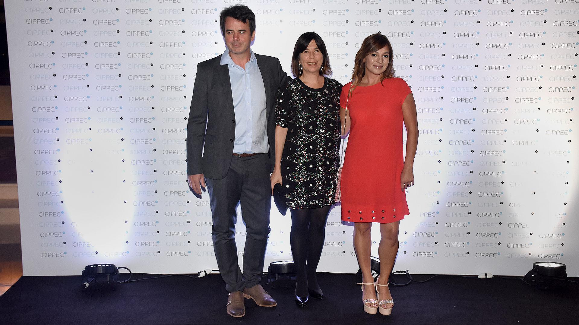 """Los periodistas Gerardo """"Tato"""" Young, María O'Donnell y Lorena Maciel /// Fotos: Nicolás Stulberg"""