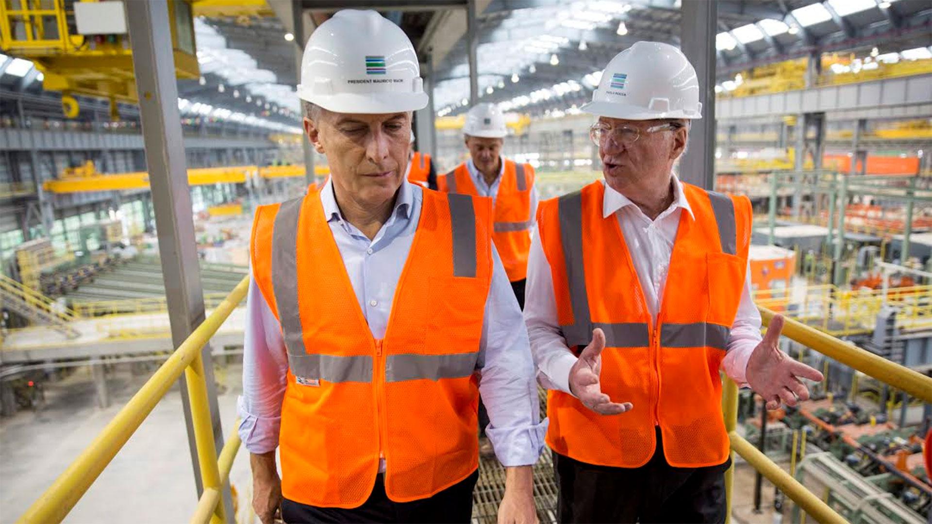 En 2017, el presidente Macri vistó visitó con Rocca una planta de Tenaris, otra de las empresas del grupo, en EEUU