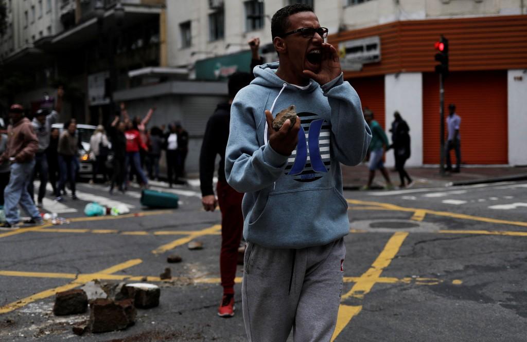 """""""Hoy Temer no gobierna. Quien está gobernando es la clase trabajadora"""", publicó en su website la Central Única de Trabajadores (Reuters)"""