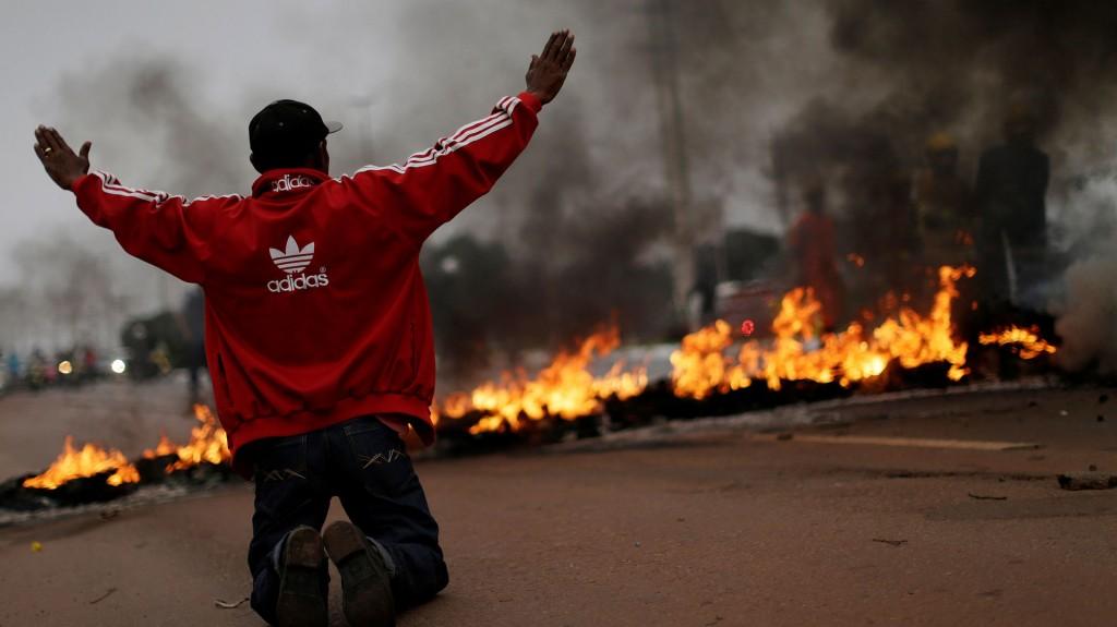 La huelga general en Brasil golpea al transporte público, las escuelas y los aeropuertos (Reuters)