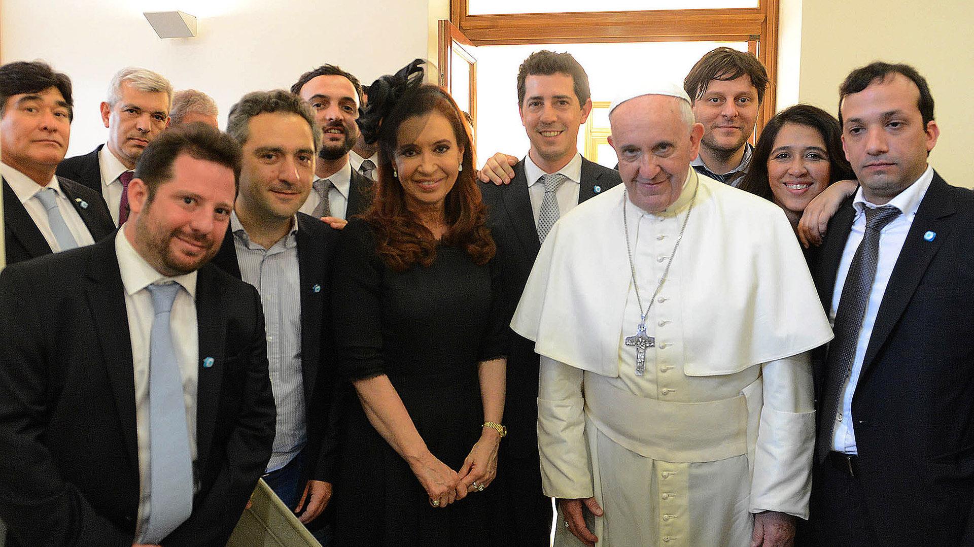 Francisco junto a Cristina Kirchner y a los principales referentes de La Cámpora.