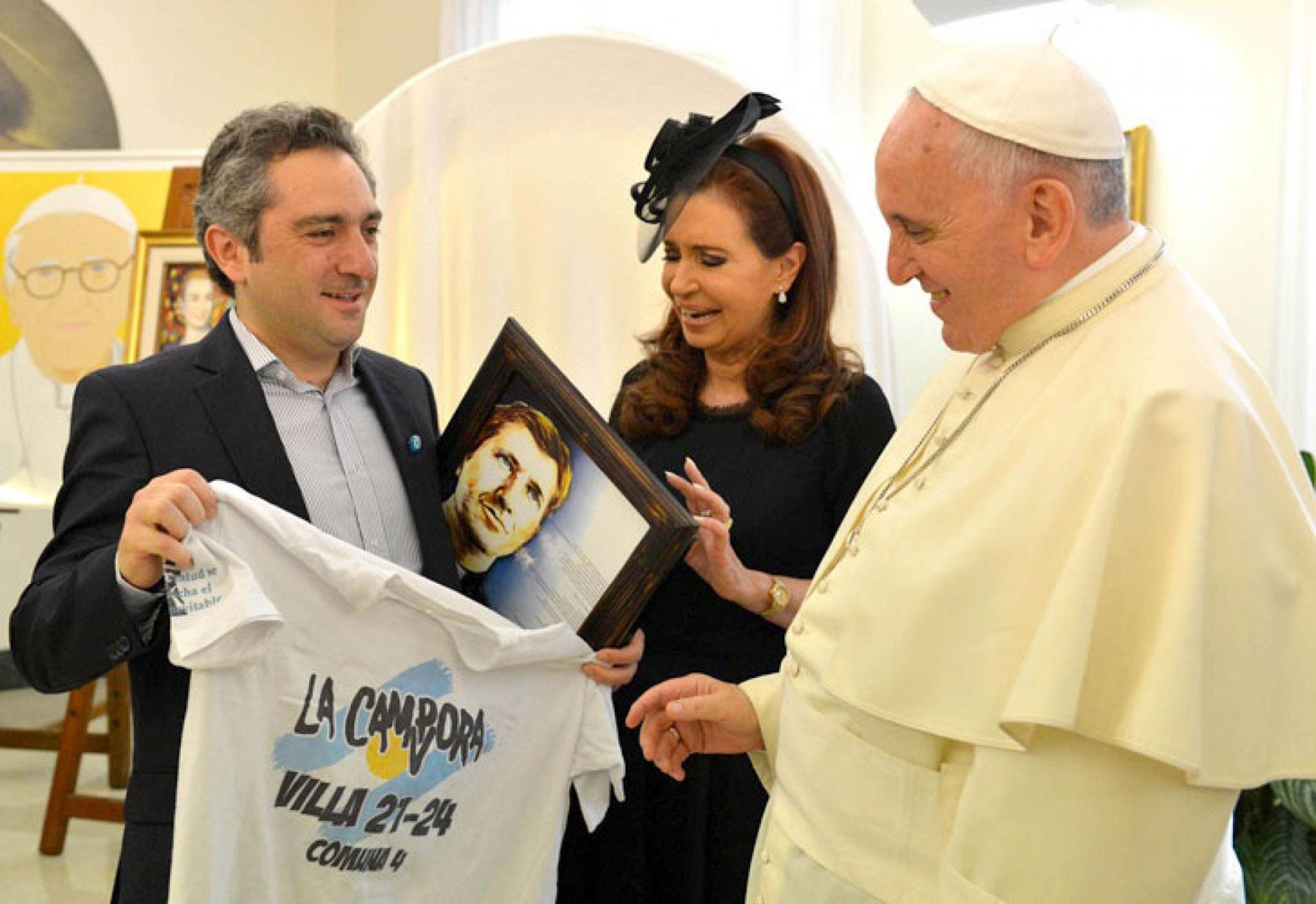 """20 de septiembre de 2014. Durante uno de los encuentros con Cristina Kirchner y el """"Cuervo"""" Larroque"""