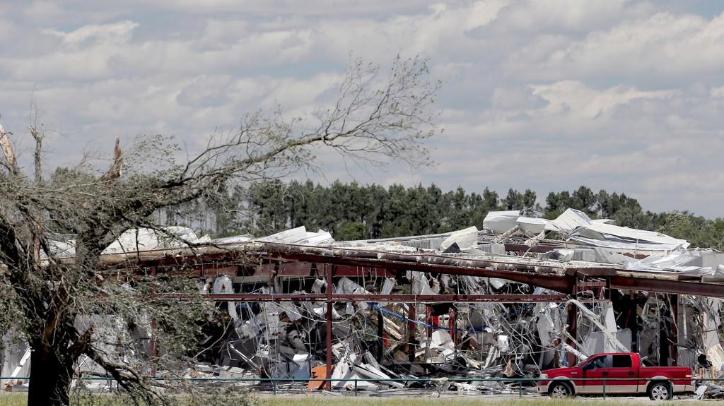 El estado más afectado fue Texas, donde al menos cinco personas murieron y casi 50 resultaron heridas tras el paso de varios tornados en diversos condados al este de Dallas (Reuters)