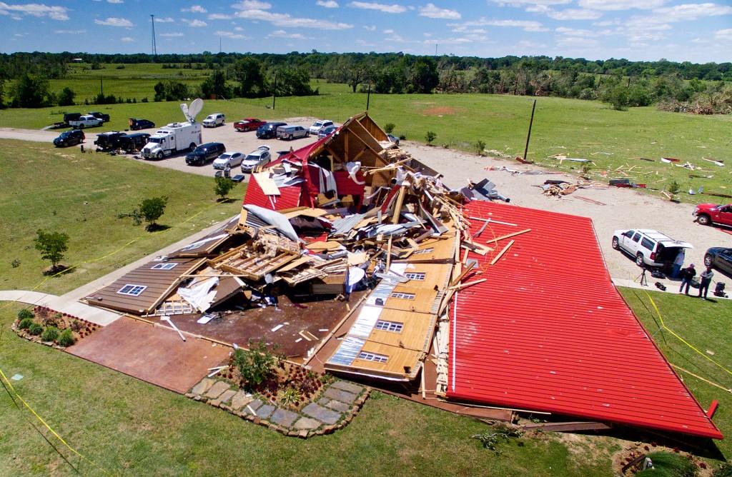 The Rustic Barn, un salón de eventos en Canton, Texas, quedó totalmente destruido por los fuertes vientos (Reuters)