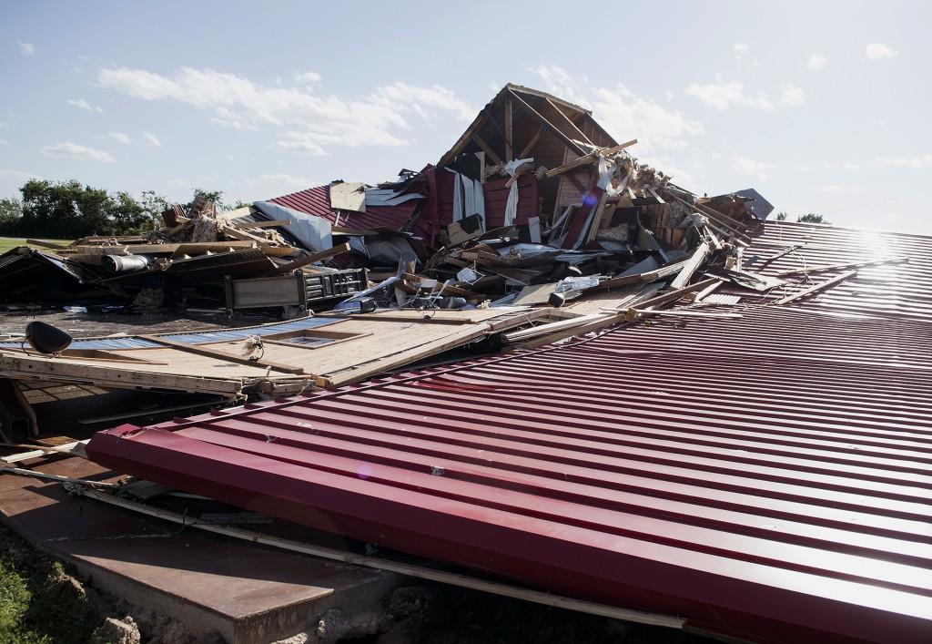La amenaza del mal tiempo no se desvaneció aún en el sur. El Servicio Nacional de Meteorología dijo que partes del noroeste de Florida, Alabama, Georgia y Mississippi podrían verse afectadas