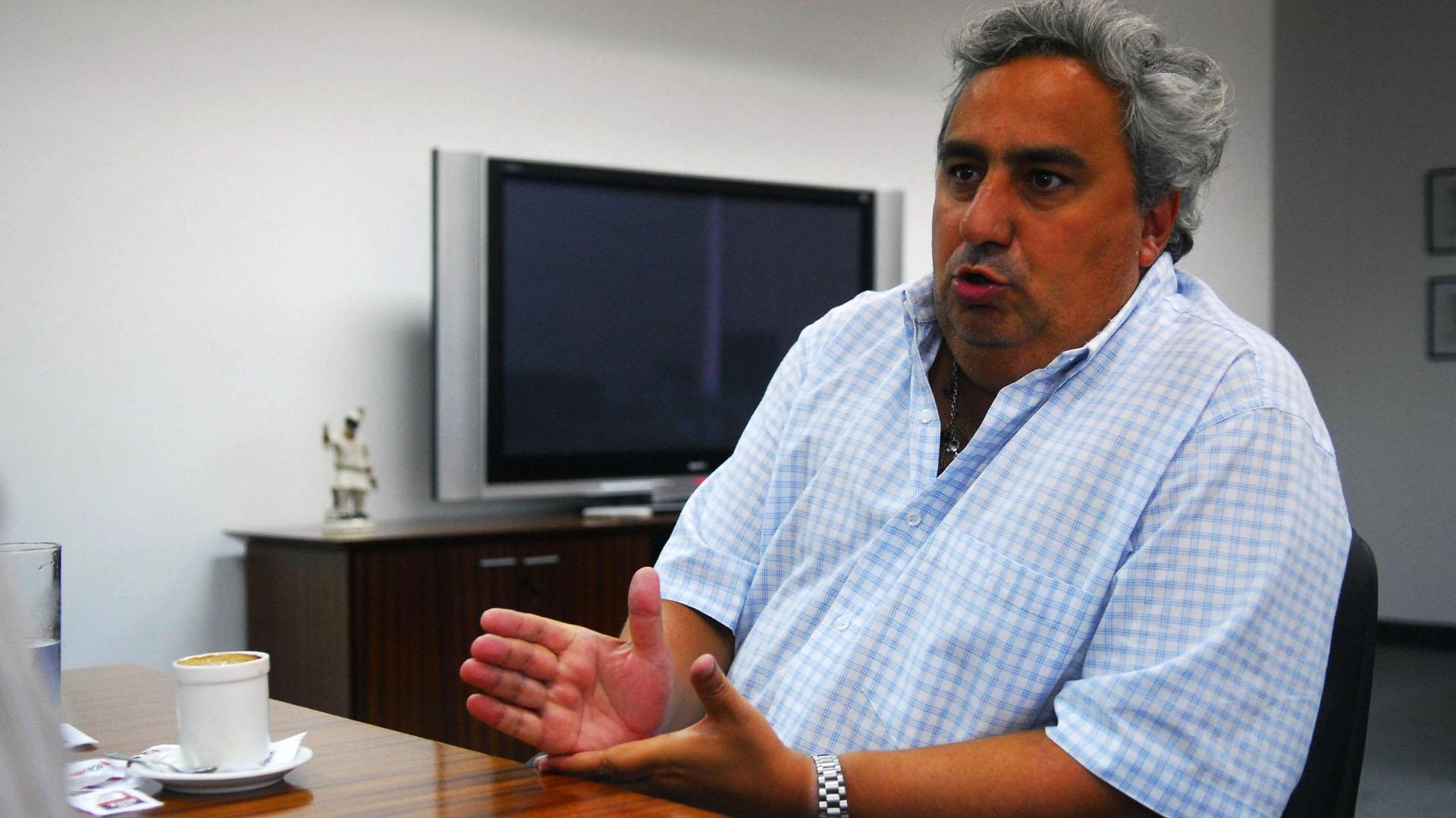 José María Aguilar, apuntado por Schlenker (Foto: Daniel Luna/Télam/jcp)
