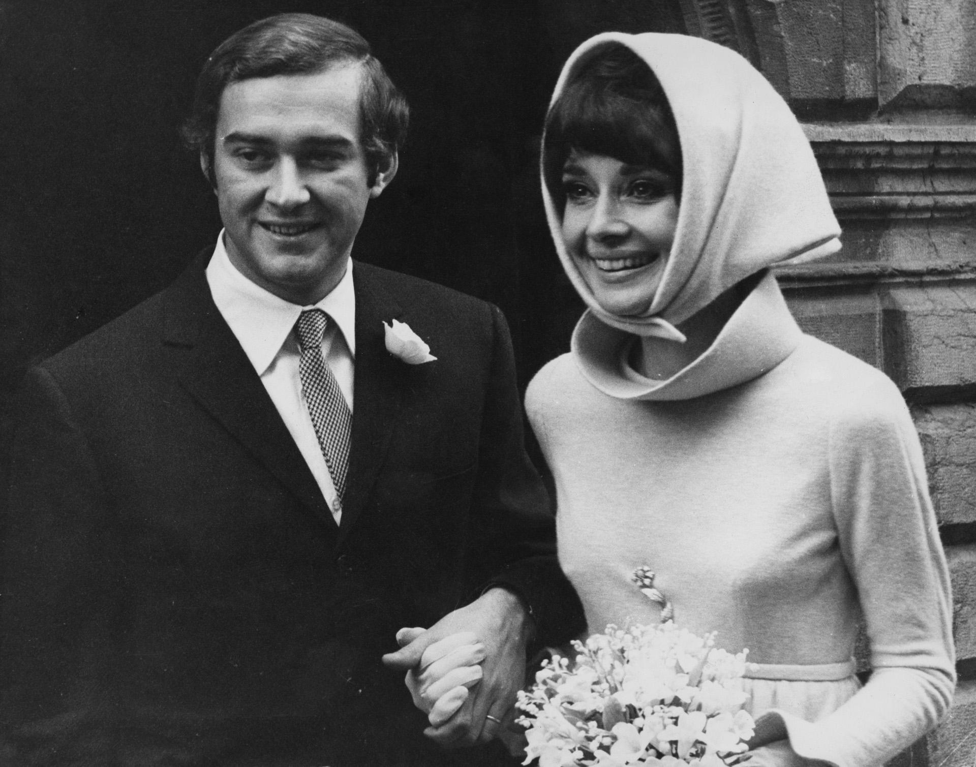 Audrey fue una de las mujeres más admiradas y, sin embargo, no fue afortunada en el amor. La actriz tuvo tres parejas y se casó dos veces, la segunda vez con psiquiatra italiano Andrea Dotti ( Daily Express/Pictorial Parade/Archive Photos/Getty Images)