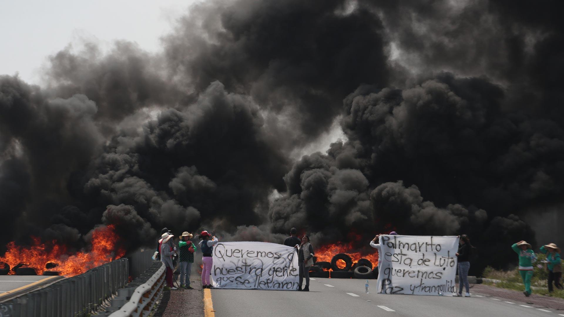 Investigaciones recientes apuntan a que el robo de combustible sería una importante fuente de ingresos para el crimen. (Foto: AFP)