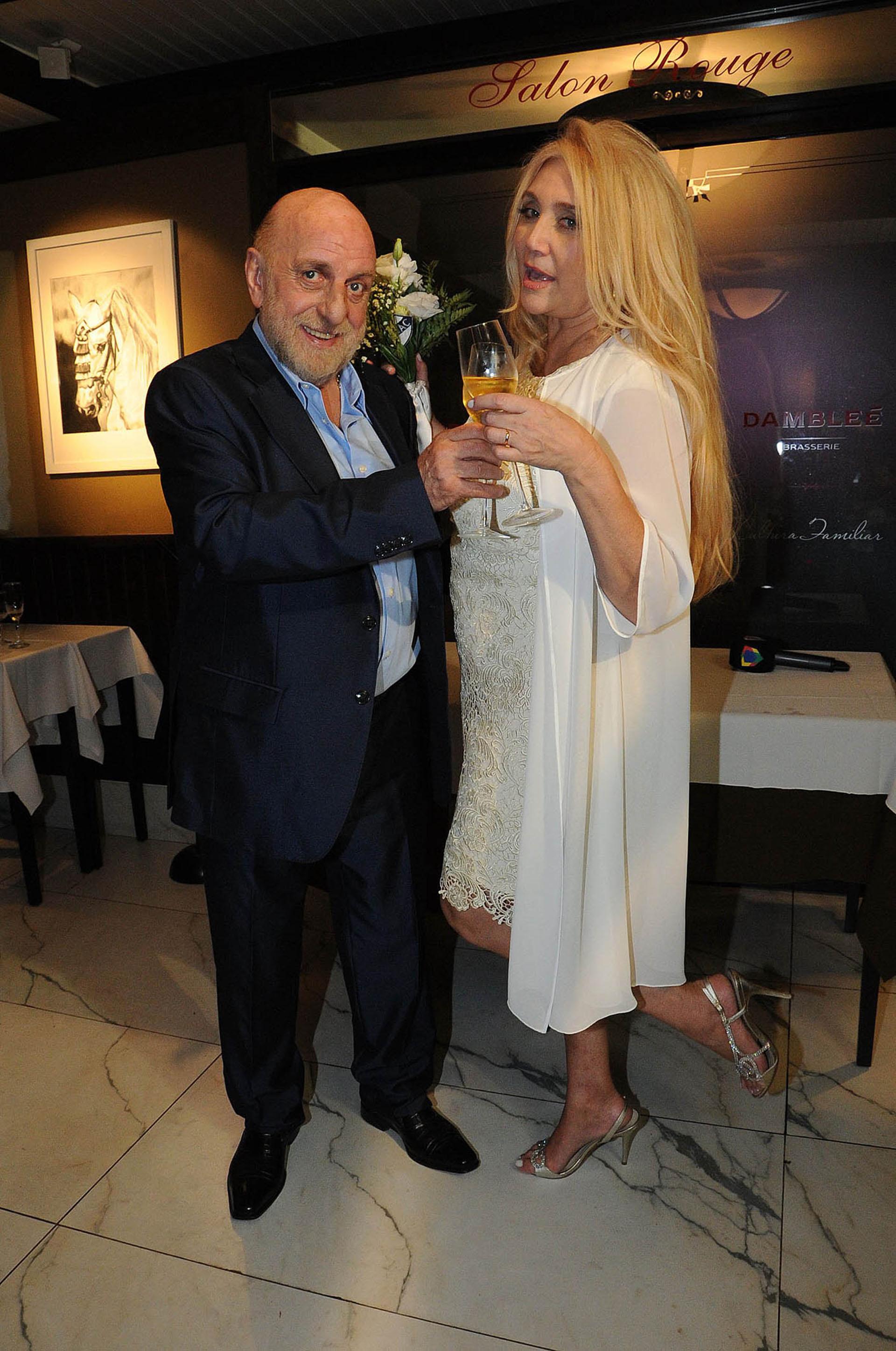 Horacio Pagani junto a Cecilia Di Carlo, su mujer