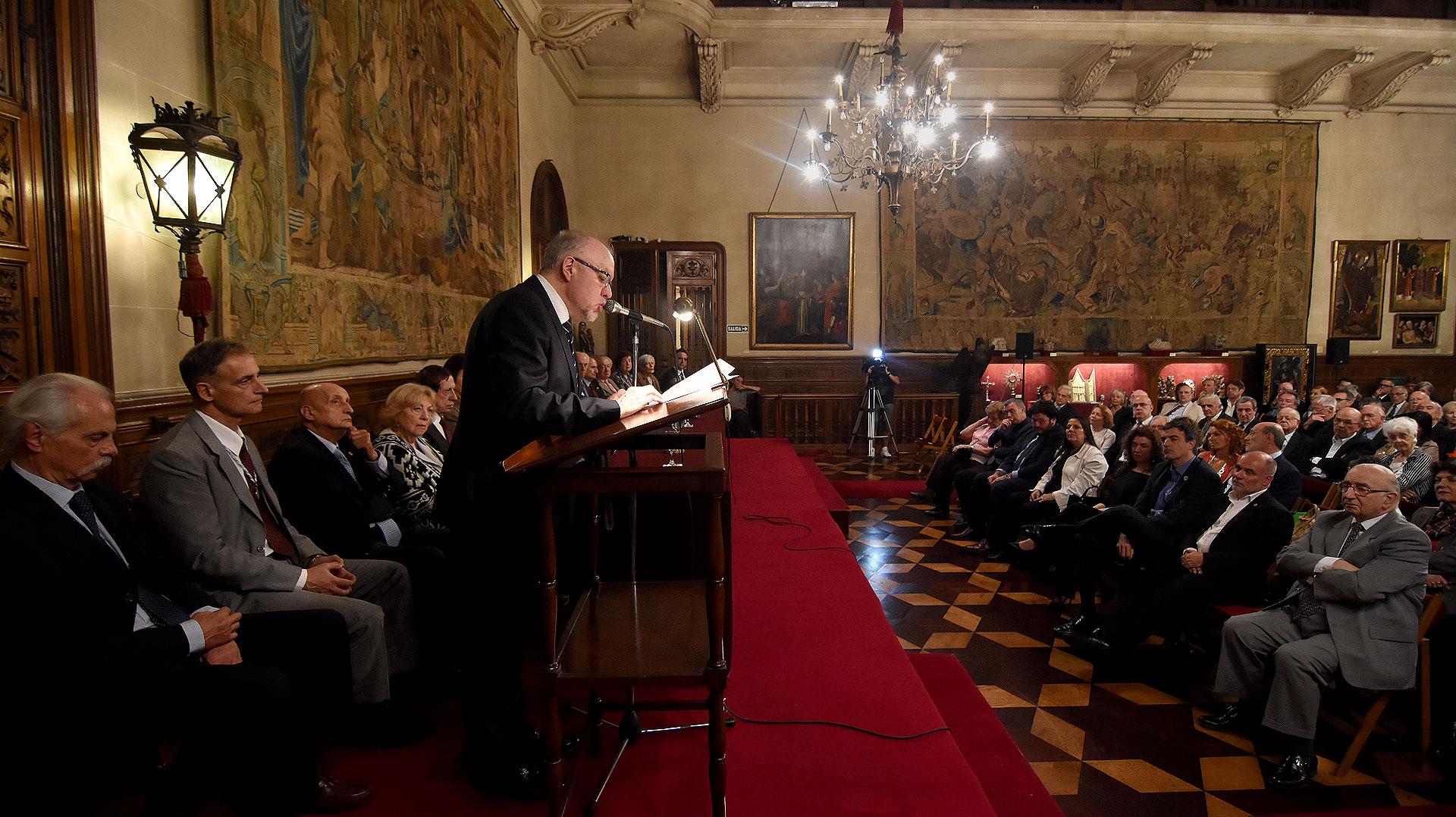Al finalizar el discurso, los aplausos fueron todos al unísono (Foto: Nicolás Stulberg)