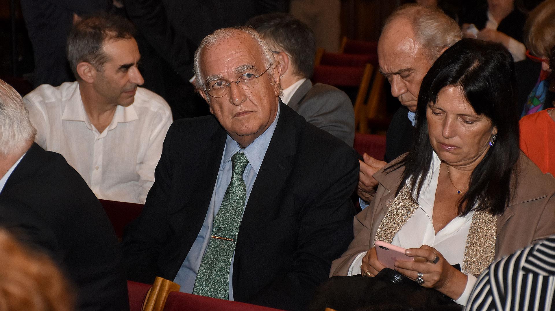 Ricardo Gil Lavedra y Claudia Piñeiro