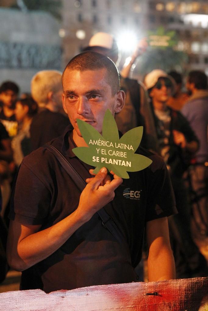 En Uruguay, el acceso a la marihuana medicinal aún es restringido (EFE)