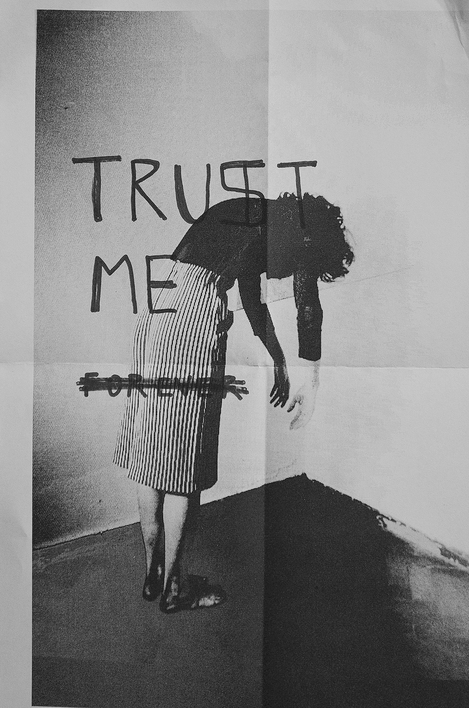 "Lucia Von Sprecher, ""Trust me"". Técnica: Fotoperformance, fotocopia y fibra, 2015"