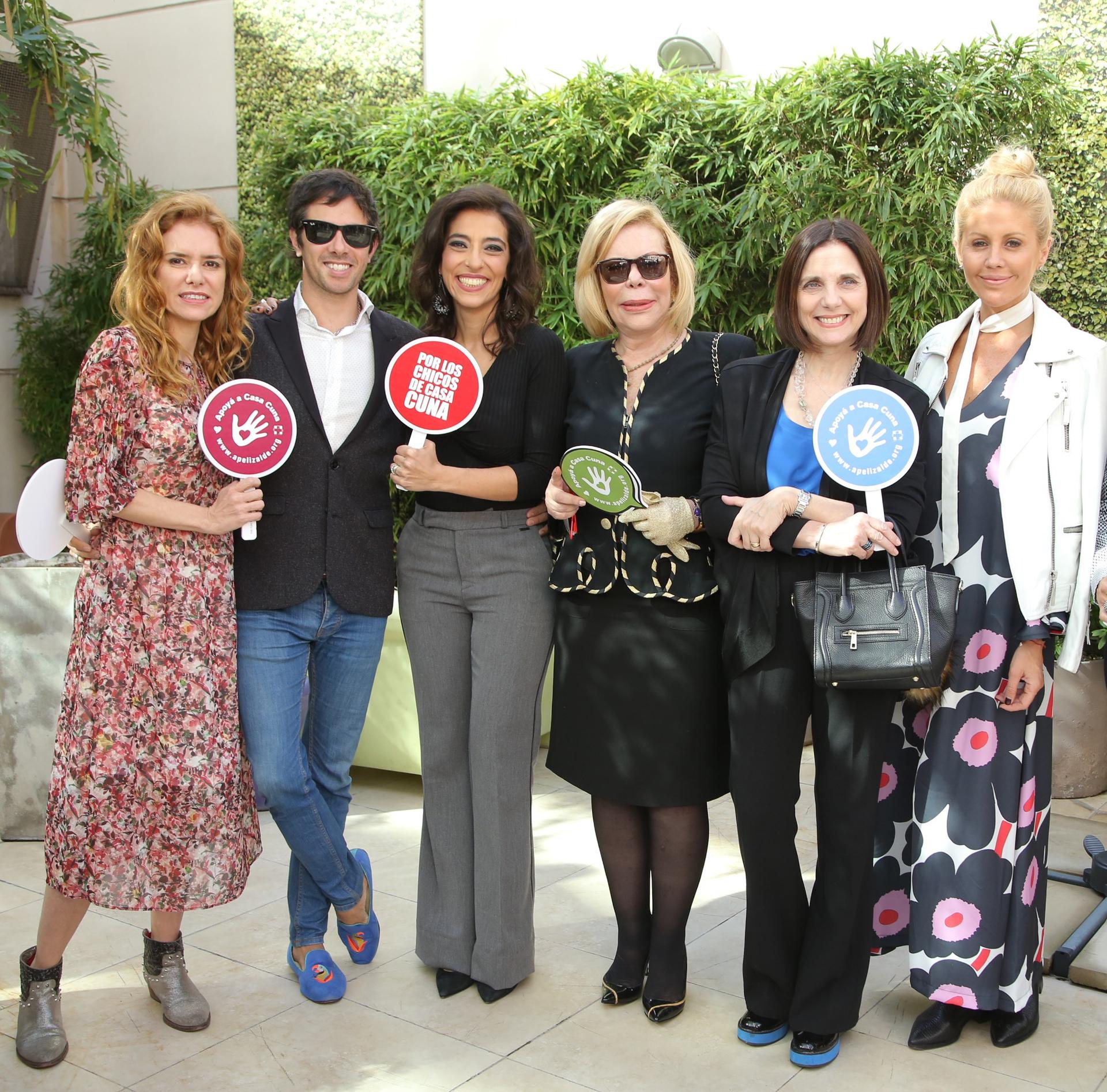 Karina El Azem, Robertito Funes, Roxy Vazquez, Marina Dodero, Silvina Chediek y Barbie Simons fueron solo algunos de los famosos que estuvieron presentes en este evento de solidaridad y arte.