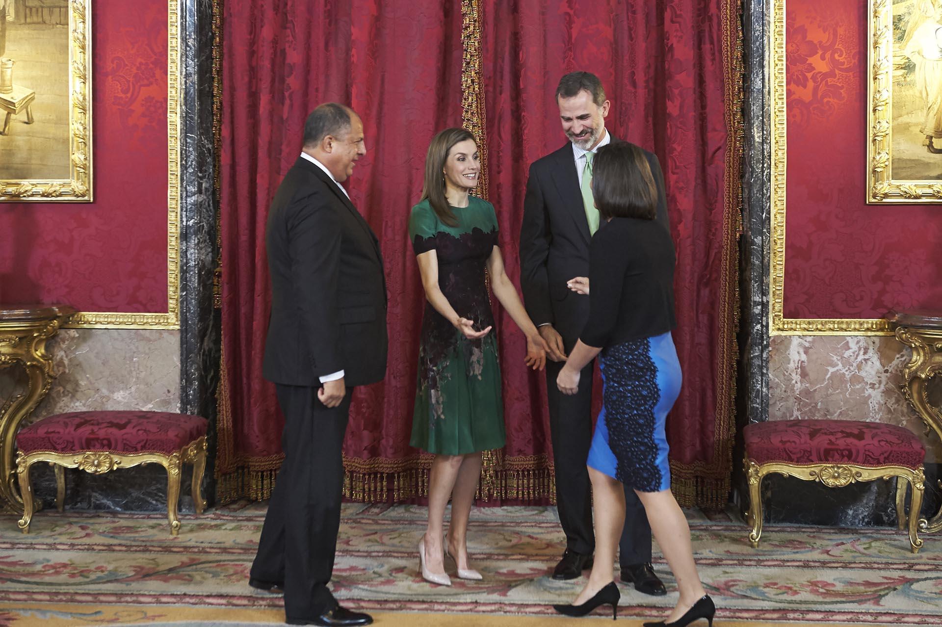 La pareja real española agasajó con un almuerzo al matrimonio presidencial de Costa Rica, que se llevó a cabo en el Palacio Real